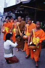Luang Prabang - zbieranie darów